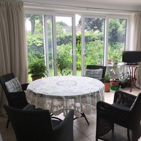 Vale, UK: Breakfast room