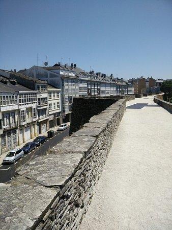 Las murallas romanas de Lugo: IMG_20160725_152105_large.jpg