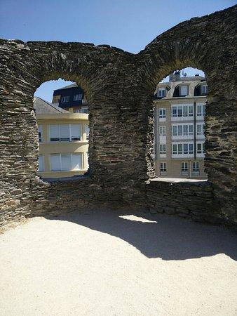Las murallas romanas de Lugo: IMG_20160725_152455_large.jpg