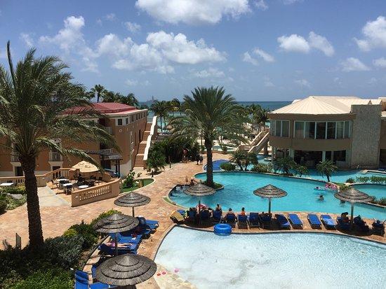 Divi Aruba Phoenix Beach Resort: Pool & Ocean view from 3rd floor balcony.
