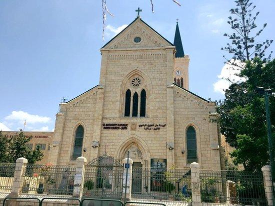 St. Anthony's Catholic Church : Fantastisk smuk kirke. Vi gik forbi den, på vej ned til havnen. :D