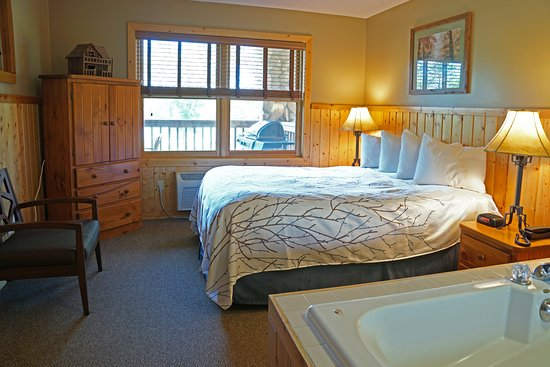 Cohasset, MN: Lodge Suite overlooking Sugar Lake