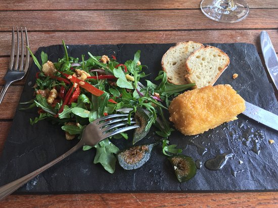 Dornier Wine Estate: Deep Fried Brie with Figs