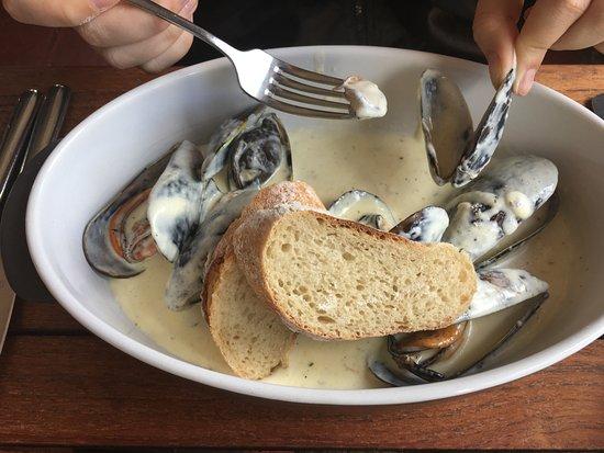 Dornier Wine Estate: Mussels in a superb fish broth