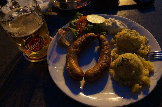 Kot: Краньская колбаса с картофелем и разливное пиво