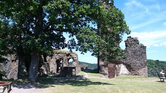 Hotel Ruland : The castle ruin on top of the mountain giving you a super view of the town