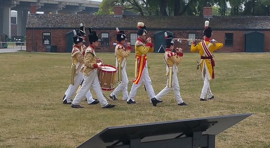 Fort York National Historic Site : Marching band