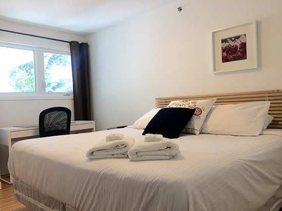 Inn on College: Beautifully renovated rooms with organic cotton mattresses