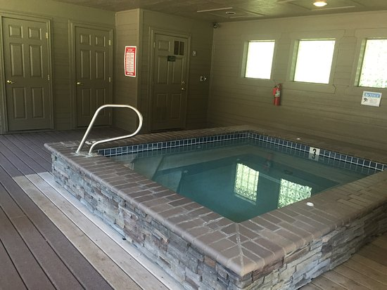 Crown Villa RV Resort: Swanky yet homey :)