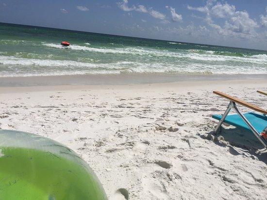 Holiday Surf & Racquet Club: photo0.jpg