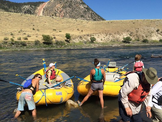 Gardiner, MT: Getting in the rafts