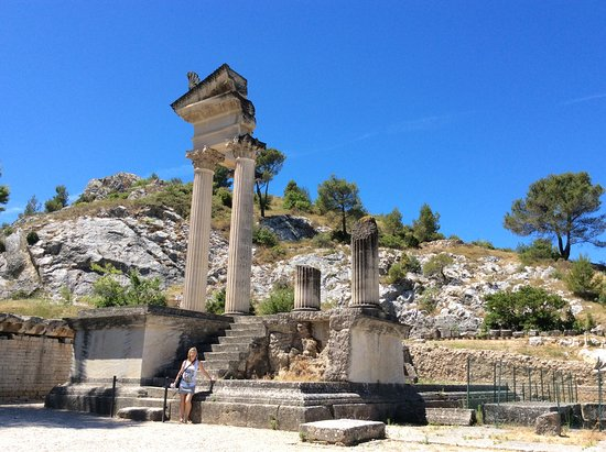 glanum st remy de provence photo de site arch ologique de glanum saint r my de provence. Black Bedroom Furniture Sets. Home Design Ideas