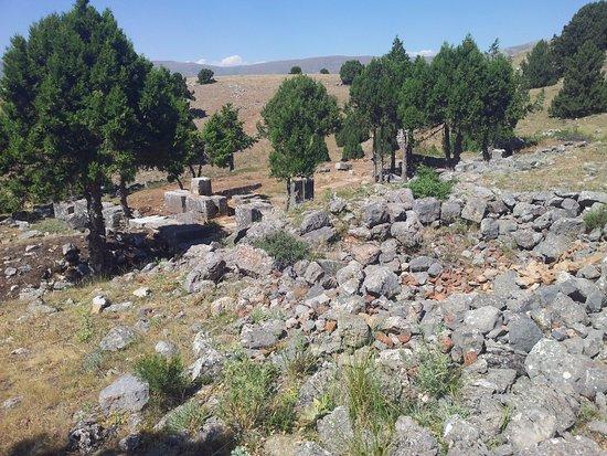 Yalvac, Tyrkiet: men tapınağı (14.07.2016 yalvaç)-men kutsal alanından