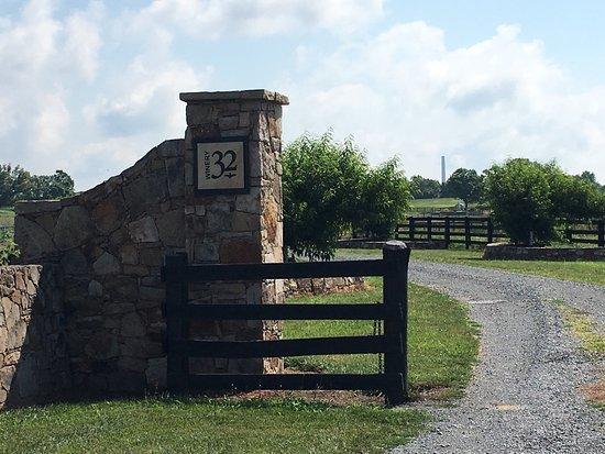 Leesburg, VA: Beautiful views from Winery 32