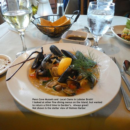 Freeland, WA: Linguine with local mussels and clams in lobster broth