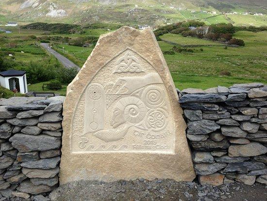 Teach Gleann Dobhar: Glencolmcille