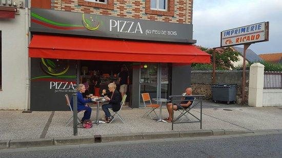 Pizza au feu de bois, Lannemezan  Restaurantbeoordelingen  ~ Bois Lannemezan