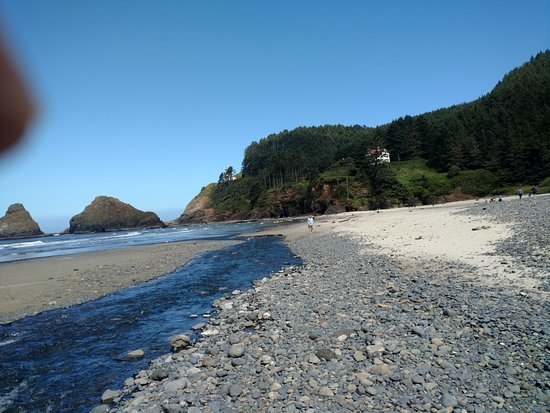Florence, Oregón: Heceta Beaach with Heceta Head Lighthouse and Lighthouse Heeper's House in backround