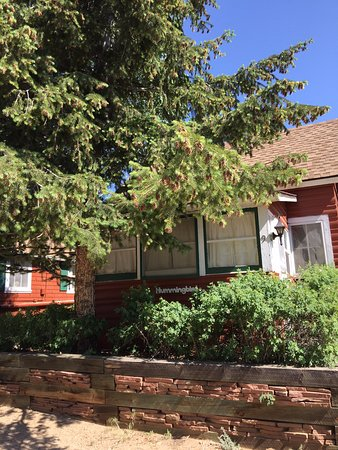 Colorado Cottages: Front of Hummingbird Cottage