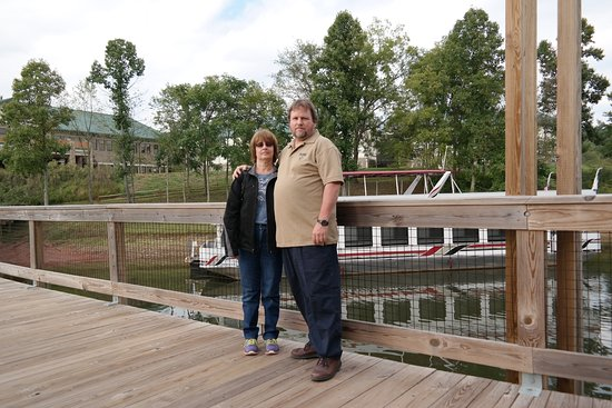 Roanoke, Virginia Occidental: Walk way to RV site and to the boat ride