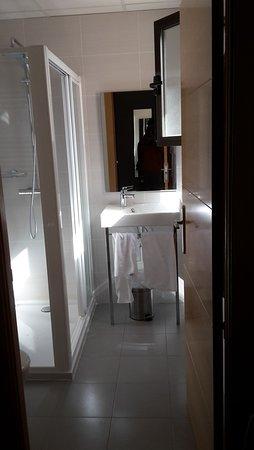 Almaden, España: Baño de una de las habitaciones