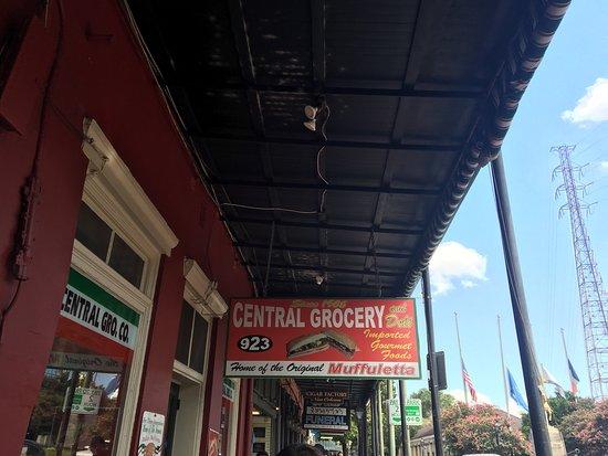 Central Grocery Company : photo1.jpg
