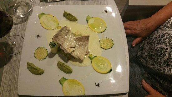 Montner, Frankrike: Une très  bonne cuisine de chef dans un décor  apaisant. Repas raffiné.  Le chef se déplace pour