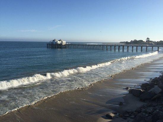Malibu Beach Inn: View from Room 215