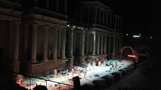 Teatro Romano de Mérida: IMG_20160728_232442_large.jpg