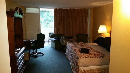 The Springs Hotel & Spa: 20160727_164310_large.jpg