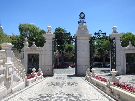 Pestana Palace Lisboa Hotel & National Monument: Hotel Entrance