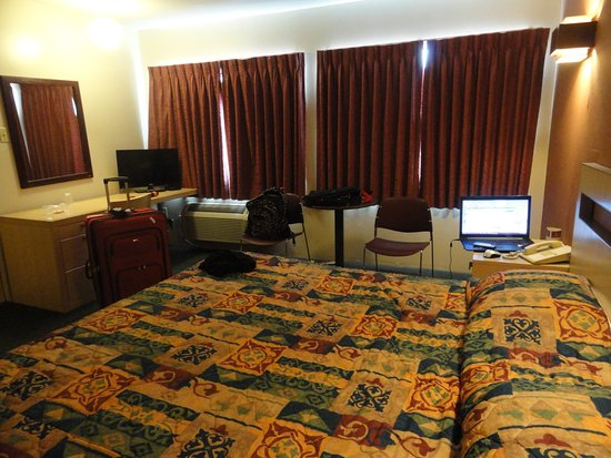 L 39 Accueil Picture Of City Centre Motor Hotel Vancouver