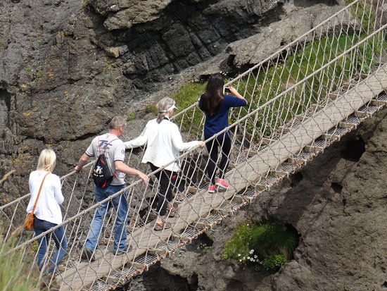 Ballintoy, UK: Some people even stop mid-way to snap a few photos if they're not bothered by the 100 foot drop.