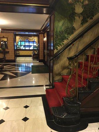 Hotel Elysee: Hotel lobby