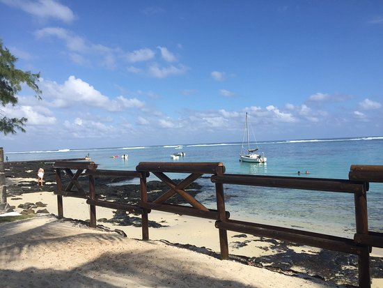 Blue Lagoon Beach Hotel: Views from my room