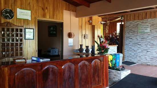 Hotel Cipreses Monteverde Costa Rica: Lobby