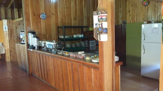 Hotel Cipreses Monteverde Costa Rica: The breakfast buffet area