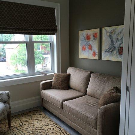 Avery House B&B: Cosy sitting room