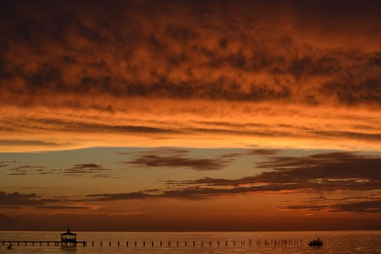 Bay Breeze RV Park: Beautiful sunsets - frequently