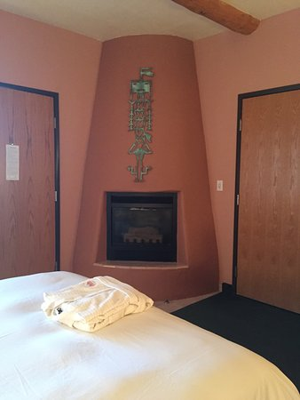 Fireplace in all rooms - Picture of Southwest Inn at Sedona ...