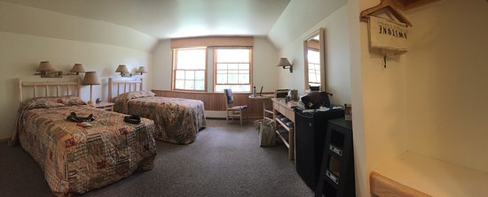 Canyon Lodge and Cabins: Canyon Lodge Premium Lodge Room 2 Doubles