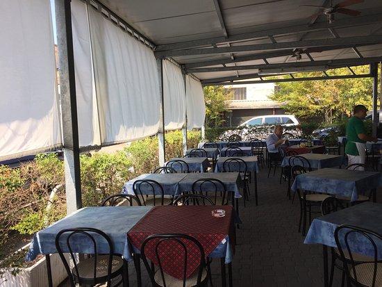 Ristorante Pizzeria Leonardo: Interno ristorante.