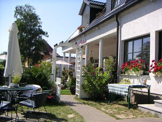 Dranske, Niemcy: Schon aus dem Jahr 2004: Café und Pension