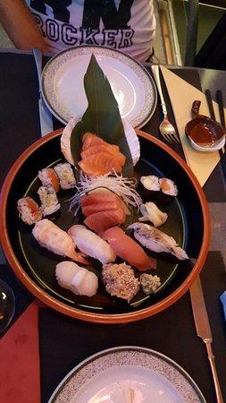 Bambou Sushi Bar: 20160730_212548_large.jpg