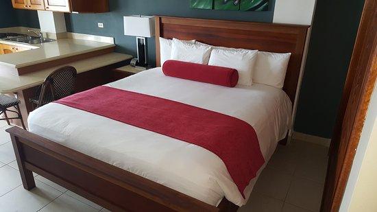 Tropical Suites Hotel: Super Cama