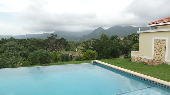 Capira, Panamá: private pool with mountain view