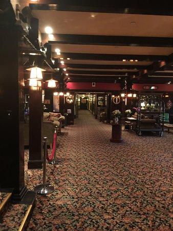 Santa Paula, CA: Photos taken inside the Glen Tavern Inn and the haunted room number 307