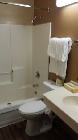Extended Stay America - Chicago - Itasca: 20160728_143005_large.jpg