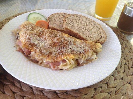Cafe Claro : Frittata with pasta! Bon Appetite!