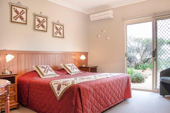 Avalon Homestead: King Room